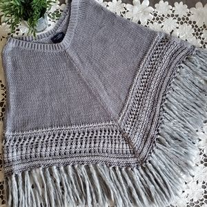 AMERICAN EAGLE   Crochet Poncho with Fringe Detail